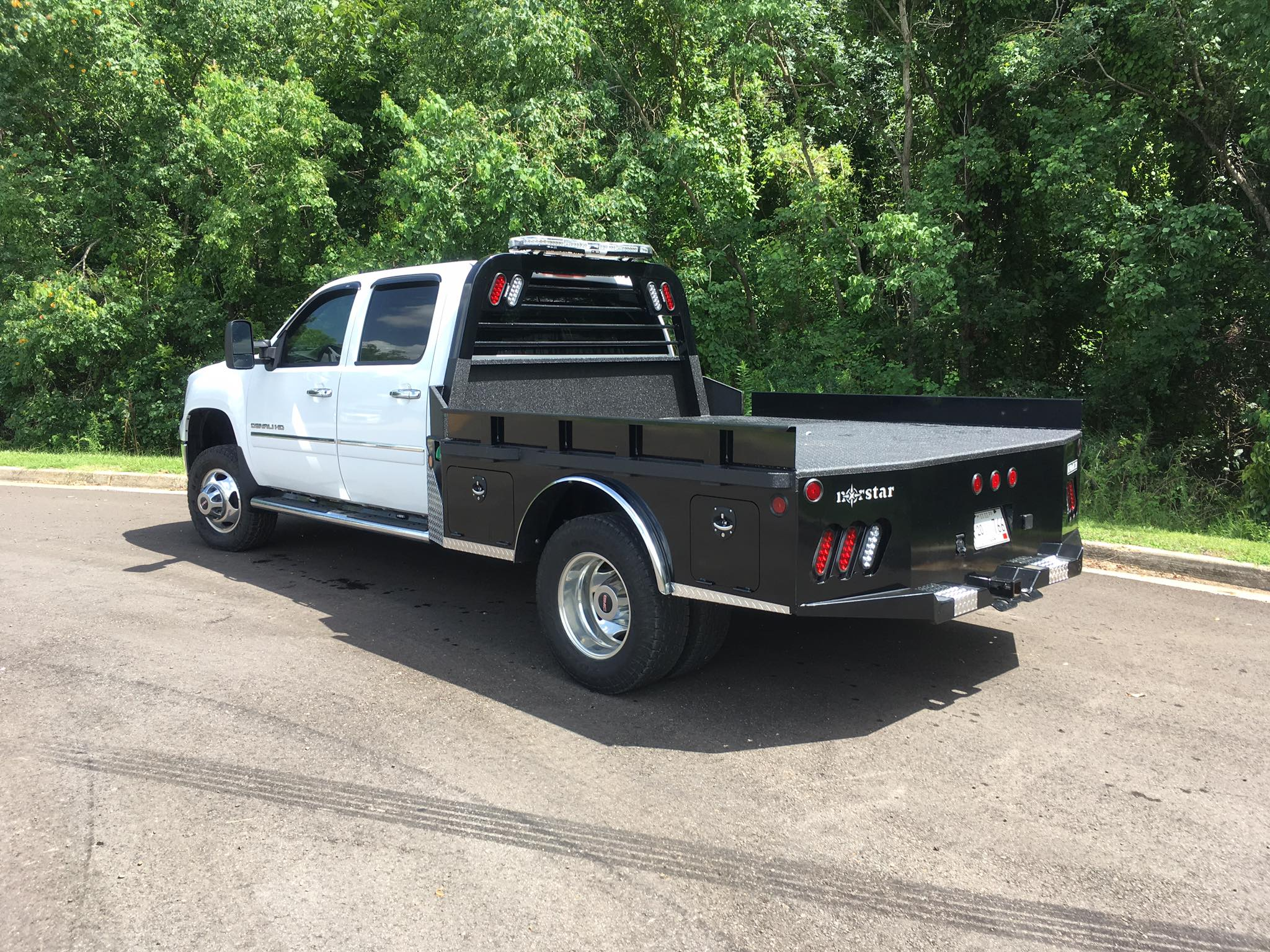 Dodge Ram Truck Bed For Sale >> Skirted Flat Bed W Toolboxes Load Trail Trailers For Sale