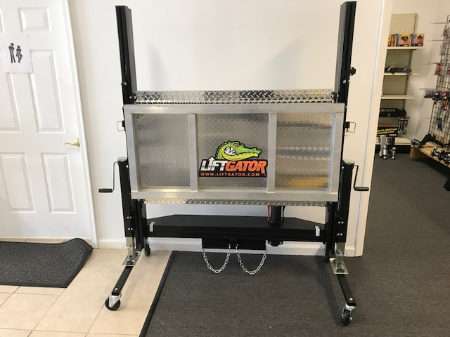 Fits in your hitch!! Lifts 1200lbs! $2895...IN STOCK