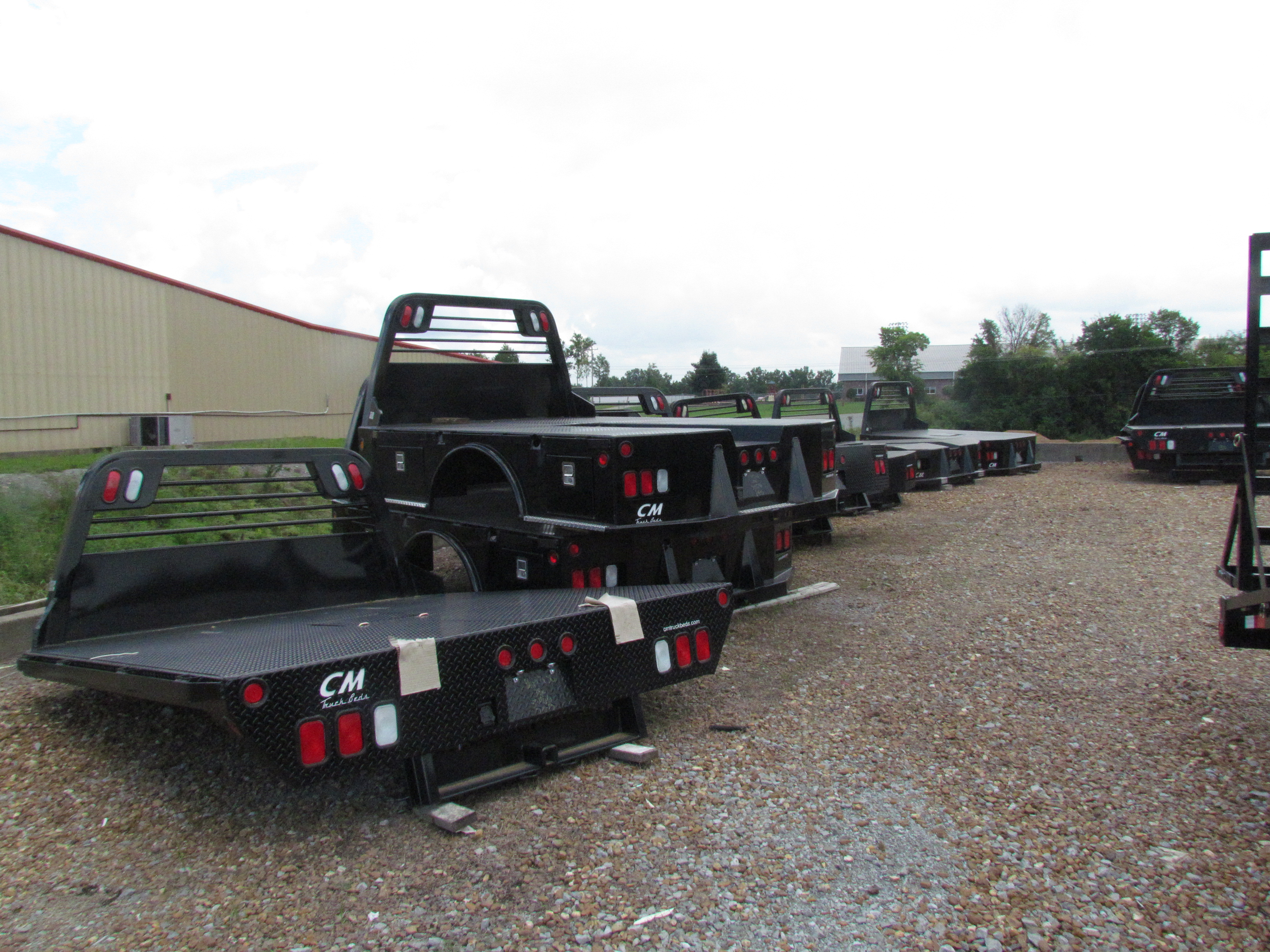 Truck Beds For Sale >> Truck Beds Flatbed And Dump Trailers For Sale At Wholesale Trailer